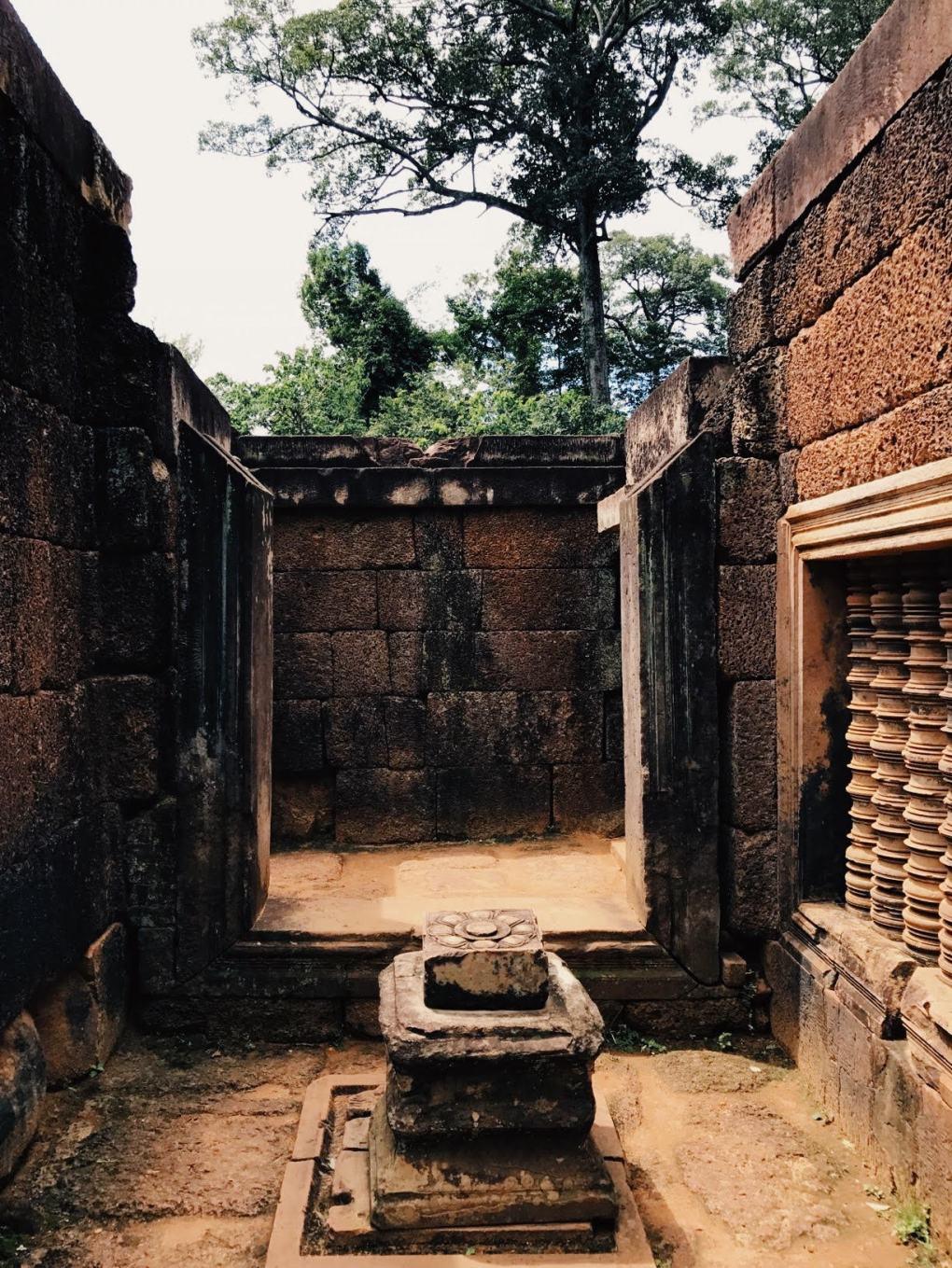 Banteay-Srei-Cambodia-3